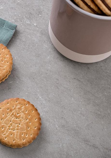CRISPY OR MOIST: STORE BISCUITS CORRECTLY